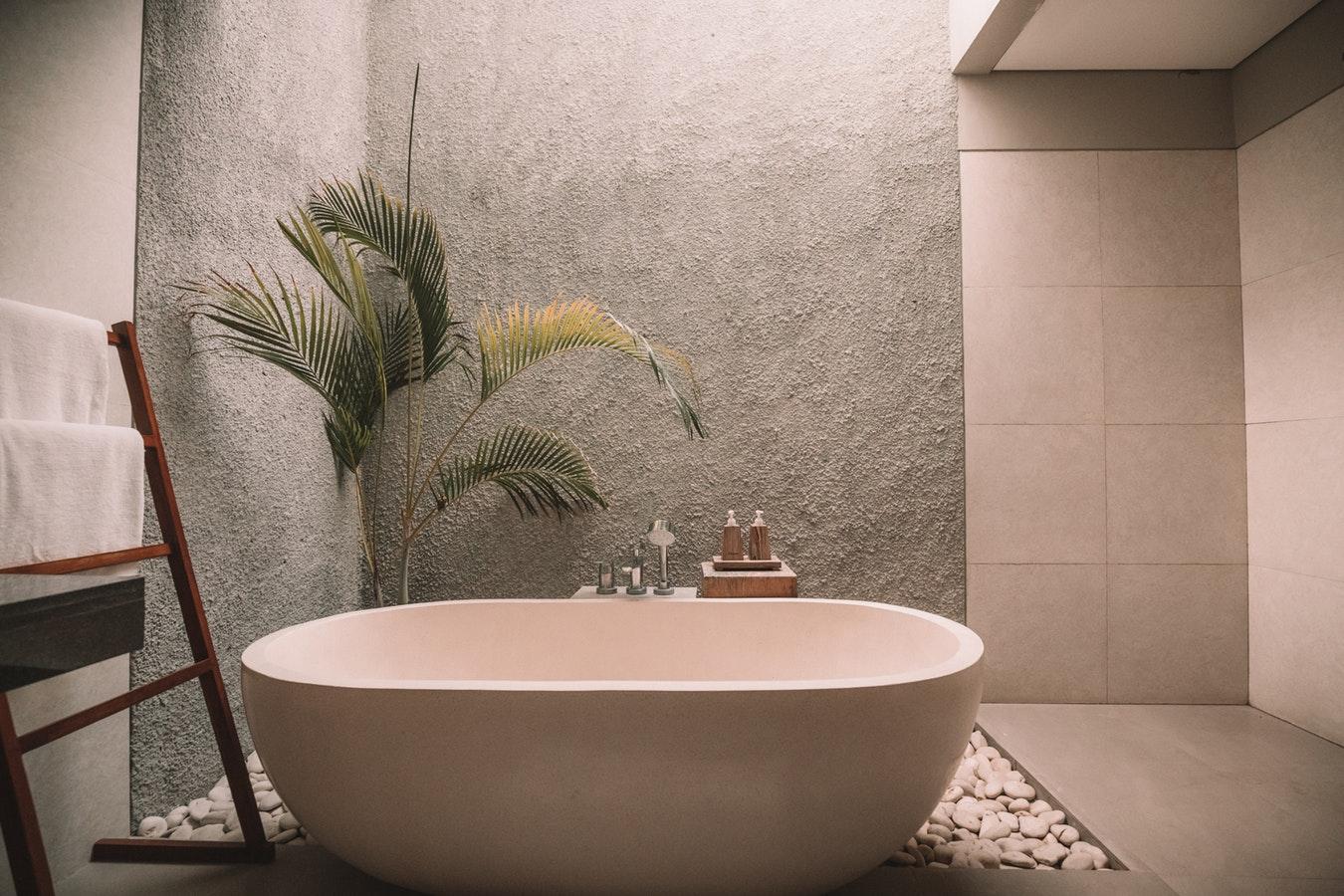 Neue Badewanne und Dusche